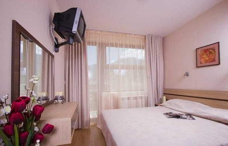 Belmont - Room - 3
