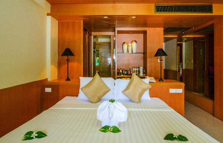 Seaview Patong - Room - 20