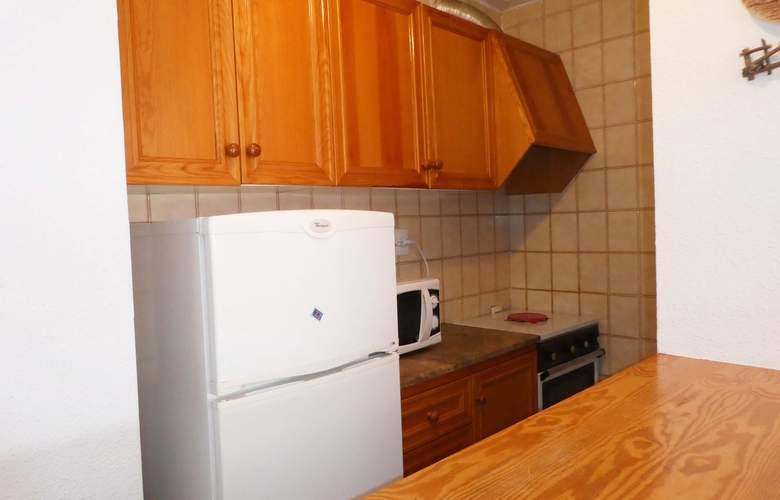 Apartamentos Peñismar I y II 3000 - Room - 8