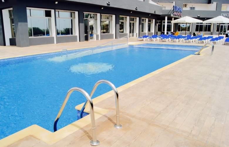 Port Europa - Pool - 2