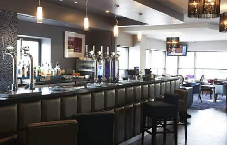 Jurys Inn Newcastle Quayside - Services - 0