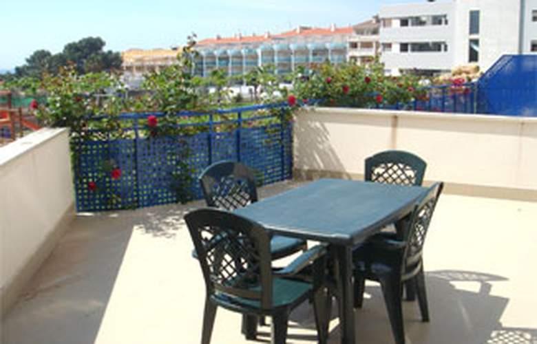 Apartamentos San Damián 3000 - Terrace - 3