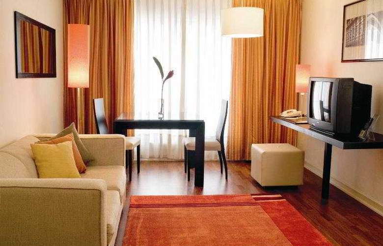 NH Ciudad de Santiago - Room - 3