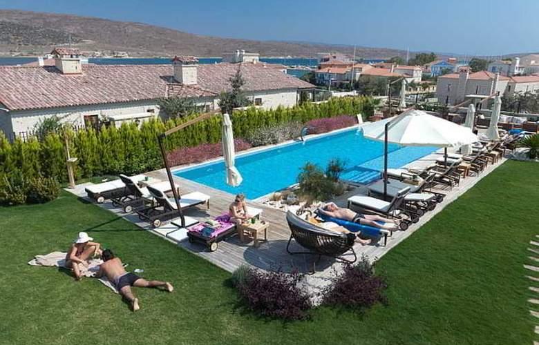 Kapari Hotel - Pool - 7