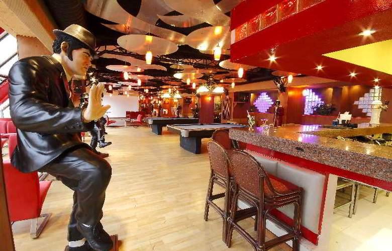 Golden Parnassus Resort & Spa All Inclusive - Bar - 16