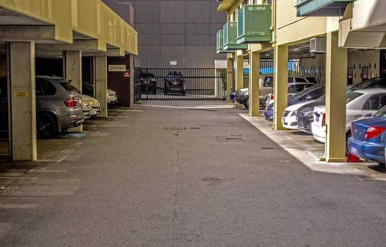 Mont Clare Boutique Apartments - Services - 11