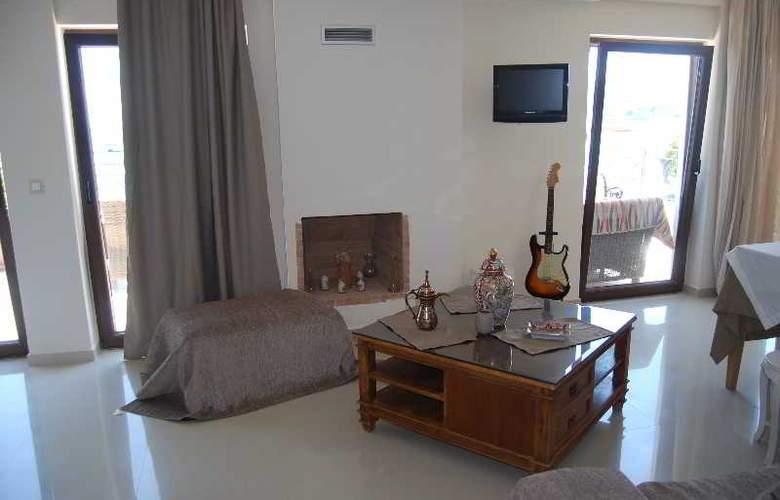 Dali - Room - 36