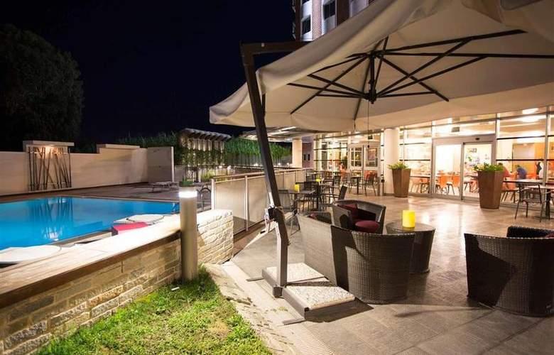 Novotel Salerno Est Arechi - Terrace - 12