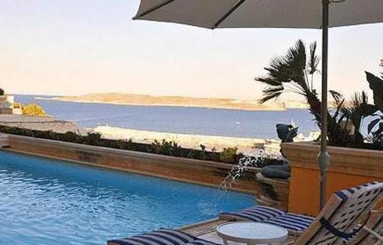 Grand Hotel - Pool - 7