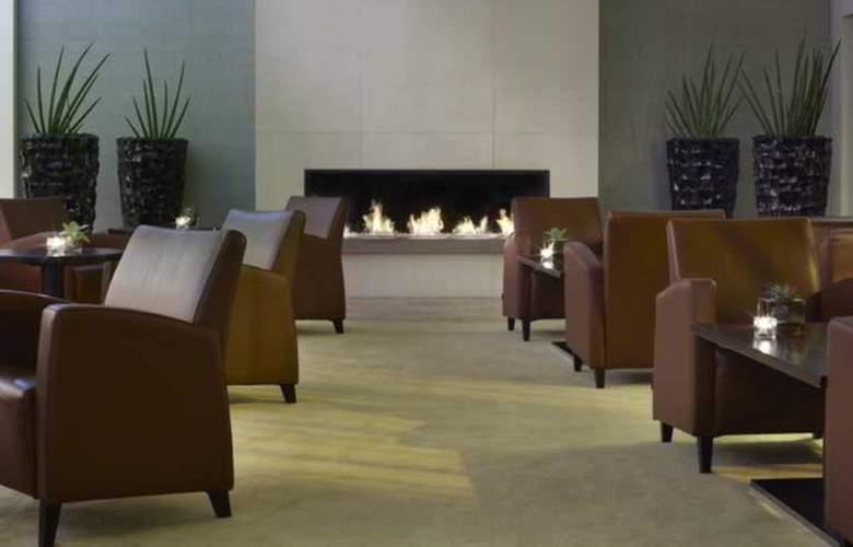 Swissotel Le Plaza Basel - Hotel - 0