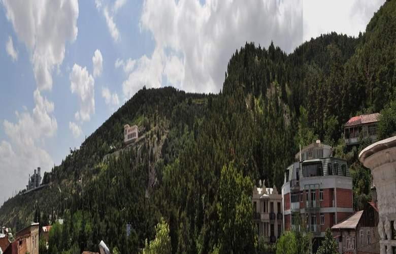 Diplomat Hotel - Terrace - 47