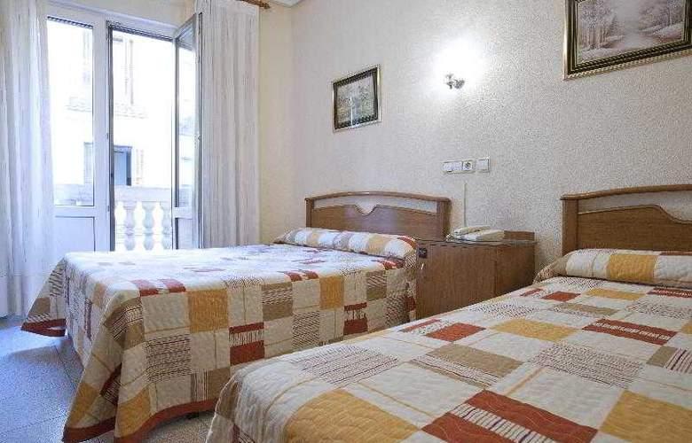 Hostal Maria Luisa - Room - 17