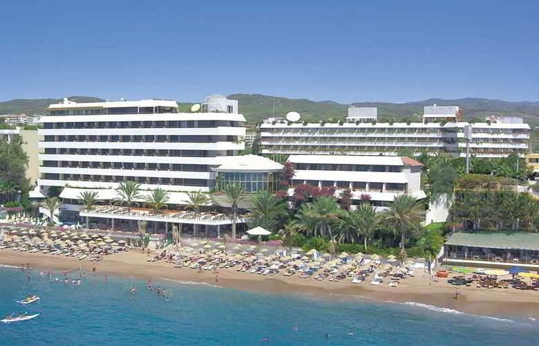 Rubi - Hotel - 0