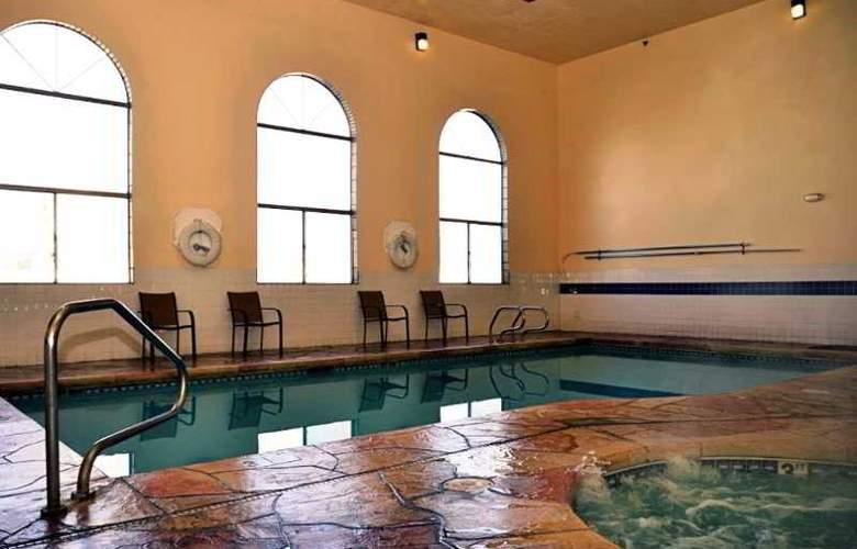 Albuquerque Inn and Suites - Pool - 5