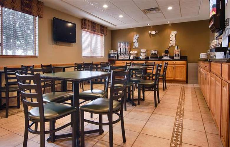 Best Western Plus Newport News Inn & Suites - Restaurant - 37