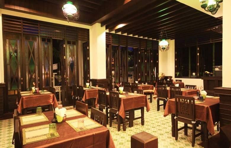 Dee Andaman Hotel Pool Bar - Restaurant - 26