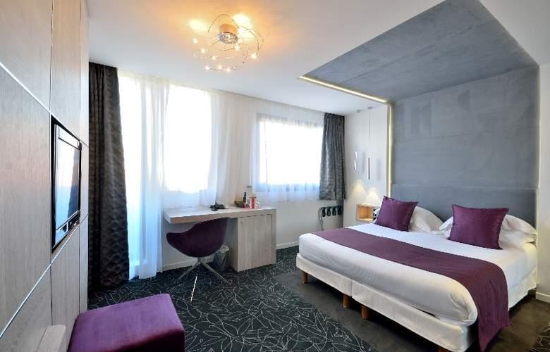 Cezanne - Room - 0