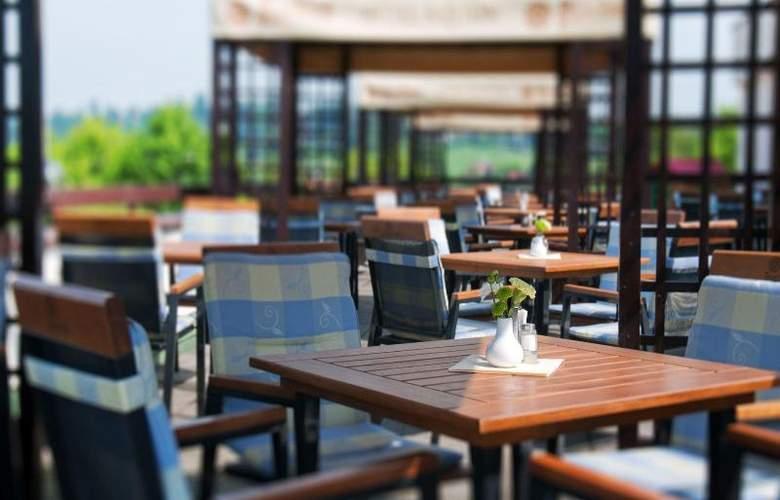 Orea Resort Santon - Terrace - 5