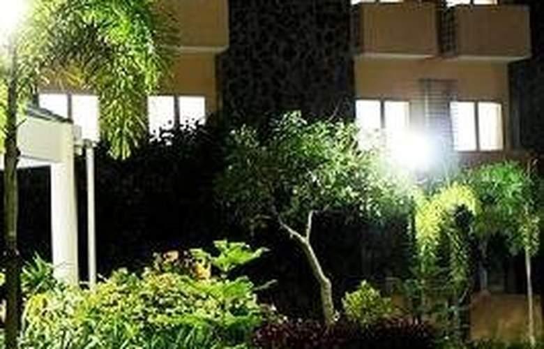 University Hotel - General - 1