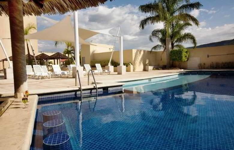 Fiesta Inn Tuxtla Gutierrez - Pool - 4