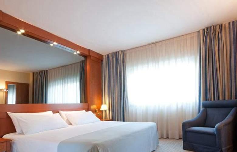 Tryp Barcelona Apolo - Room - 2