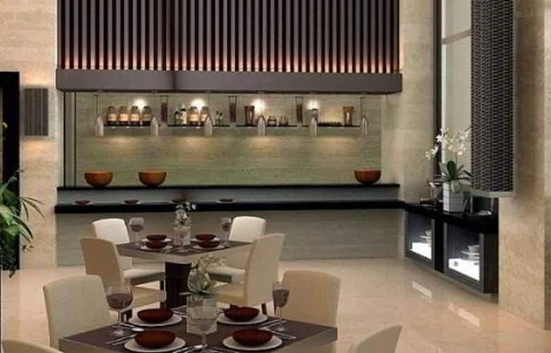 Eastparc Yogyakarta - Restaurant - 4