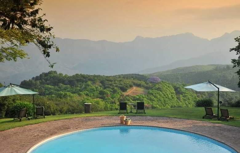 Coach House Hotel & Spa - Pool - 1