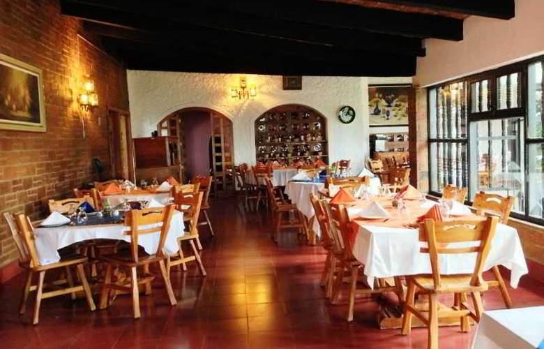 Rancho Hotel El Atascadero - Restaurant - 3
