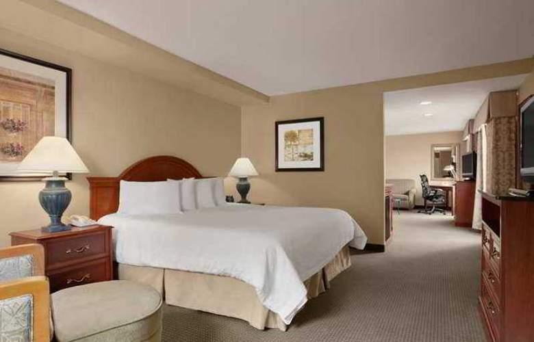 Hilton Garden Inn Saratoga Springs - Hotel - 4