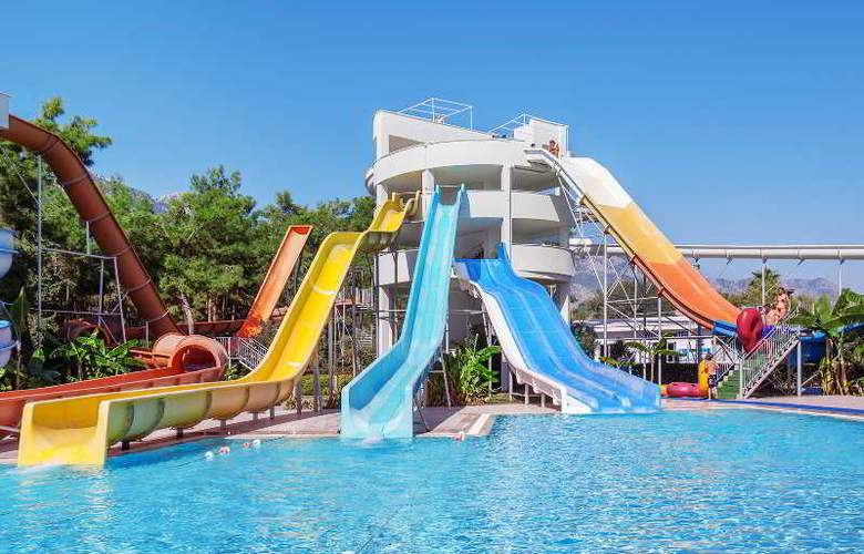 Rixos Sungate Hotel - Pool - 15