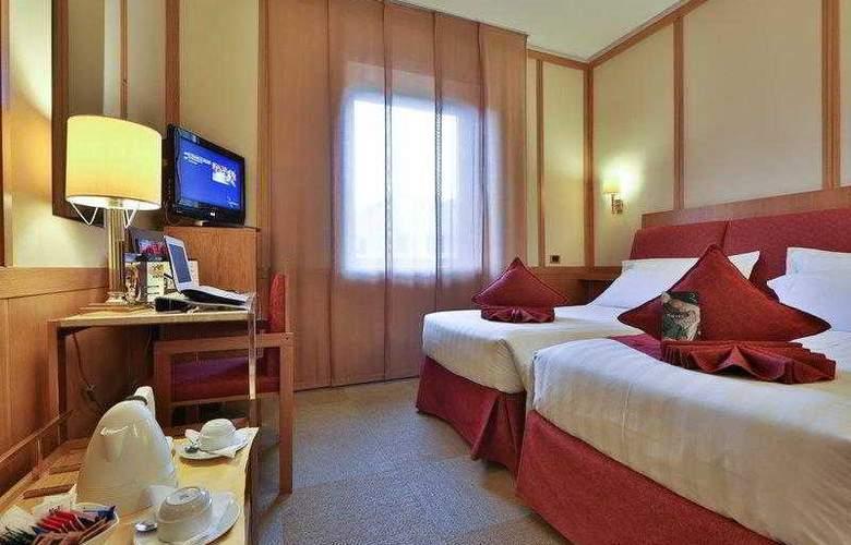 President - Hotel - 40