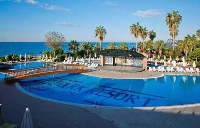 MC Beach Park Resort Hotel & Spa - Pool - 7