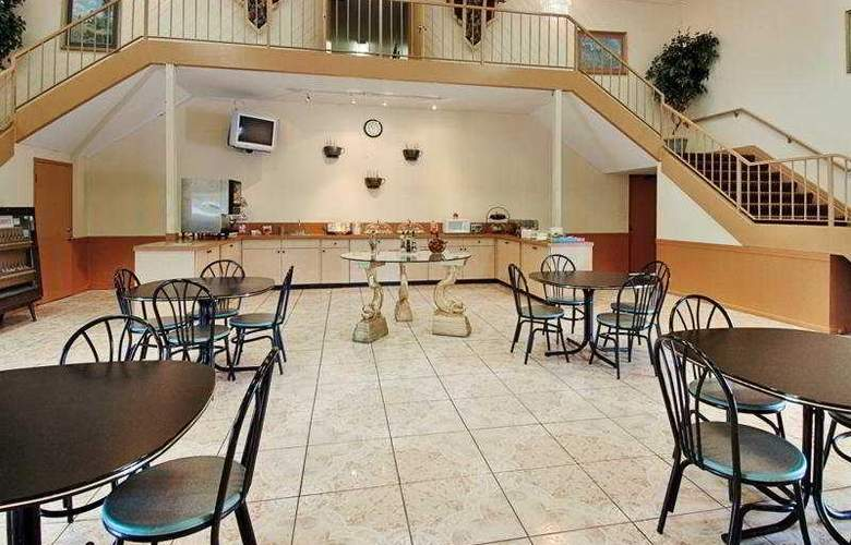 Econolodge South Point Jacksonville - Restaurant - 7