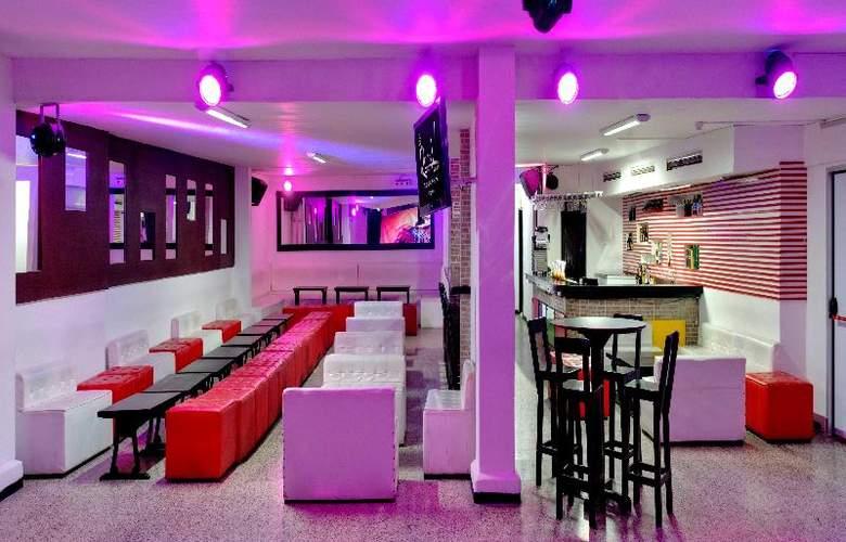 Cartagena Plaza - Bar - 9