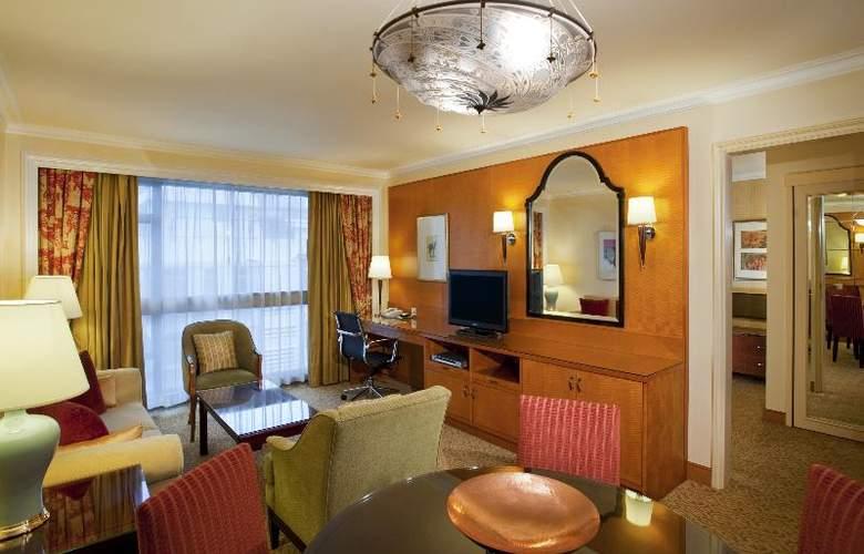 Holiday Inn Golden Mile - Room - 15