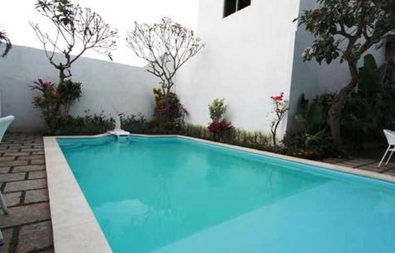 Spazzio Hotel Bali - Pool - 22