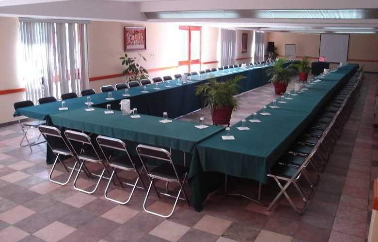 Los Olivos Spa - Conference - 1