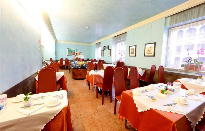 St George - Restaurant - 100