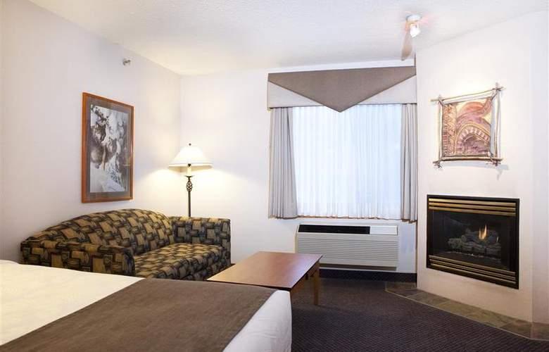 Best Western Plus Pocaterra Inn - Room - 129