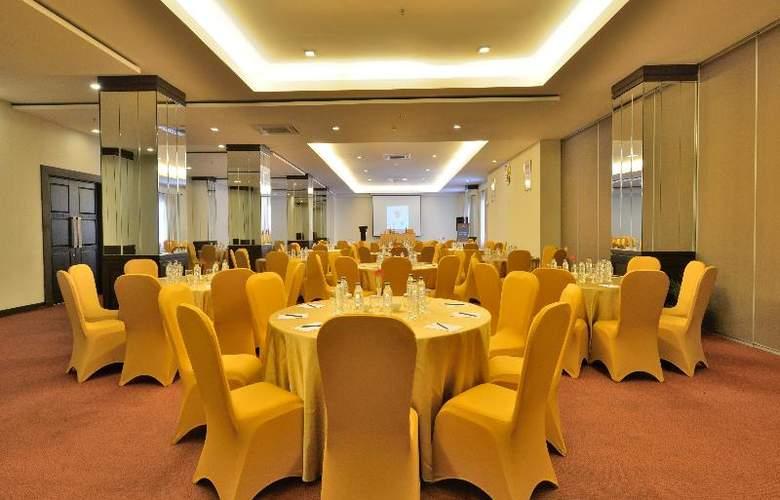 Carrcadin Hotel Bandung - Conference - 14