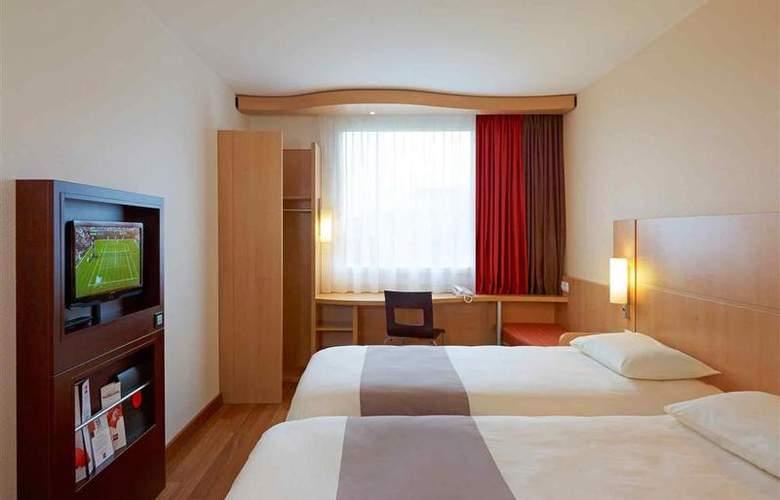 Ibis Warszawa Reduta - Room - 15