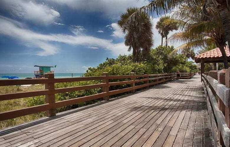 Best Western Plus Atlantic Beach Resort - Hotel - 30