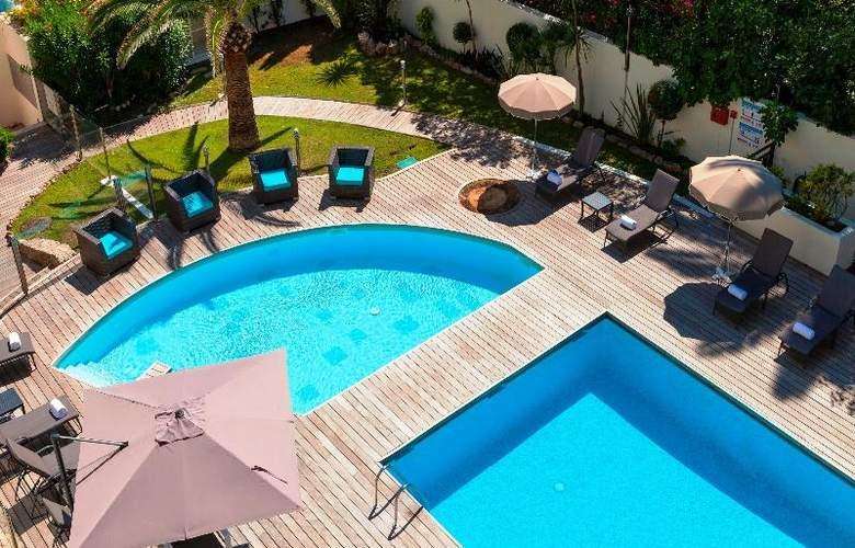 Clarion Suites Cannes Croisette - Pool - 32