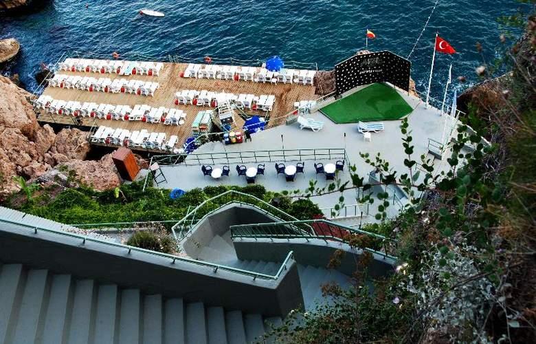 Adonis Hotel - Beach - 21