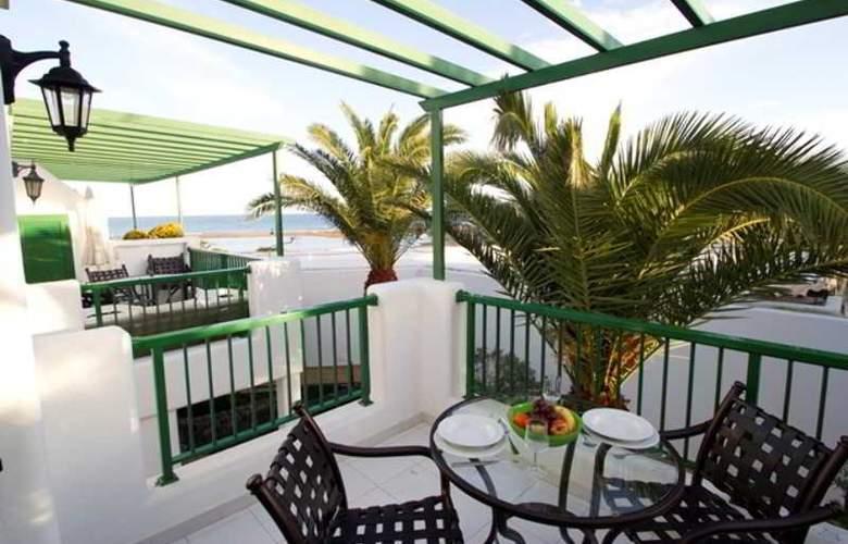 Club del Carmen - Terrace - 2