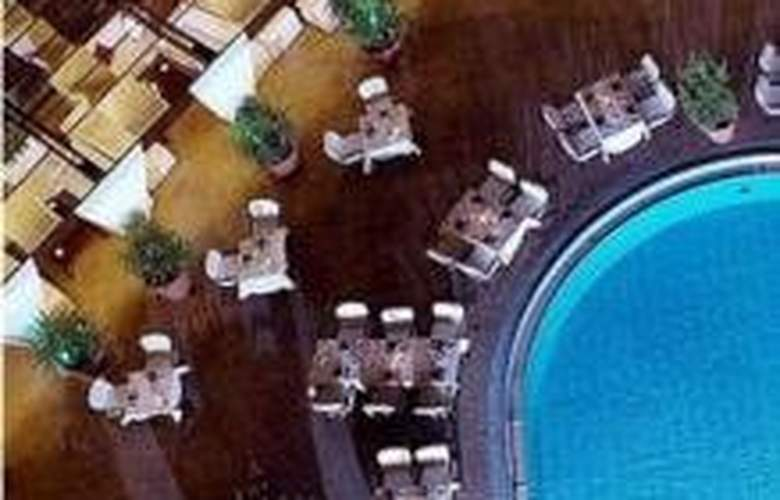 Intercontinental Cairo Semiramis - Pool - 4