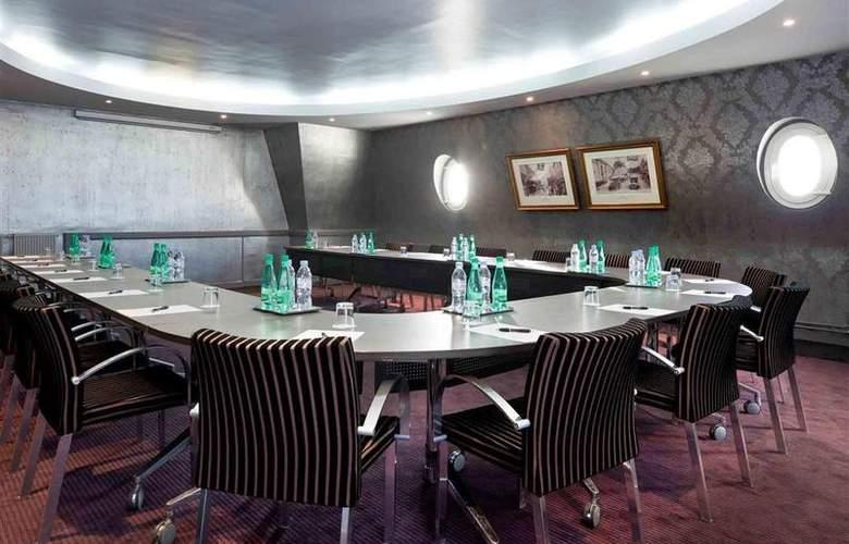 Le Grand Hôtel Cabourg - Conference - 67