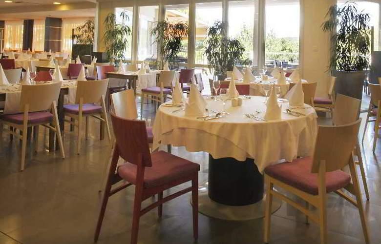 Aurora - Restaurant - 12