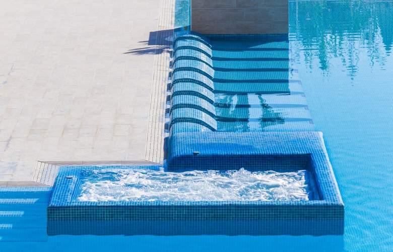 Eix Lagotel Hotel y apartamentos - Pool - 22