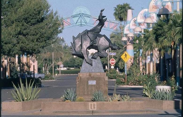 Best Western InnSuites Phoenix - Hotel - 0